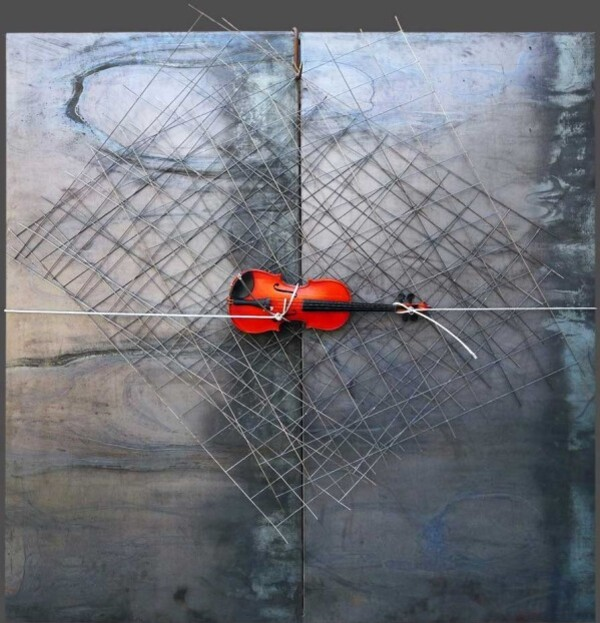 Kounellis-1--violin-iron-panel--metal-net--stee.jpg
