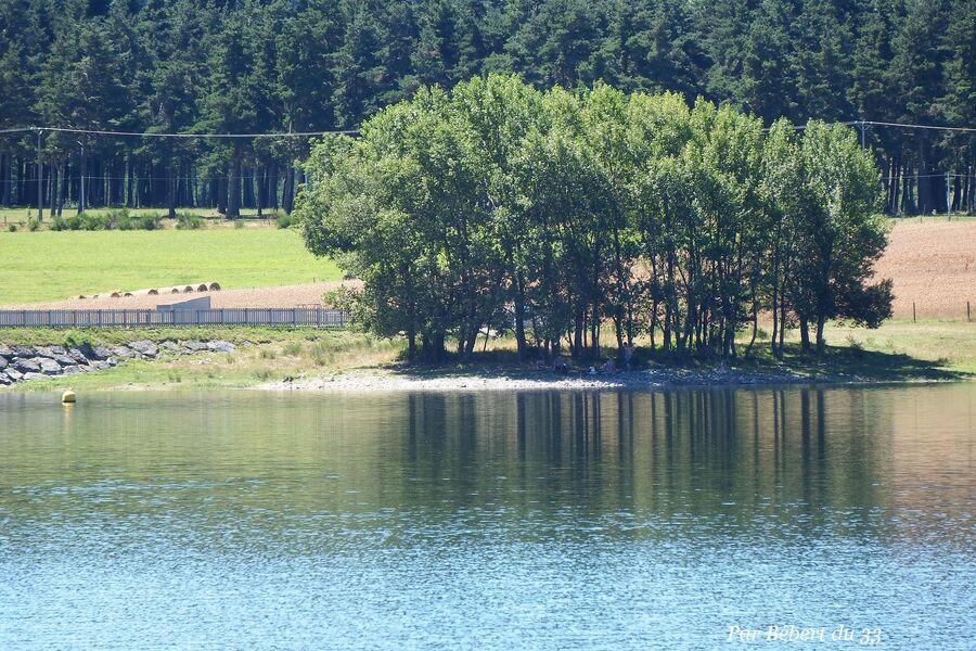 Naussac le lac dept 48 (3)