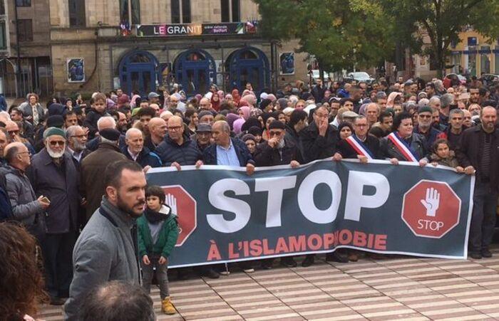 Belfort : Plus d'un millier de personnes se rassemblent contre l'islamophobie   et la stigmatisation des musulmans