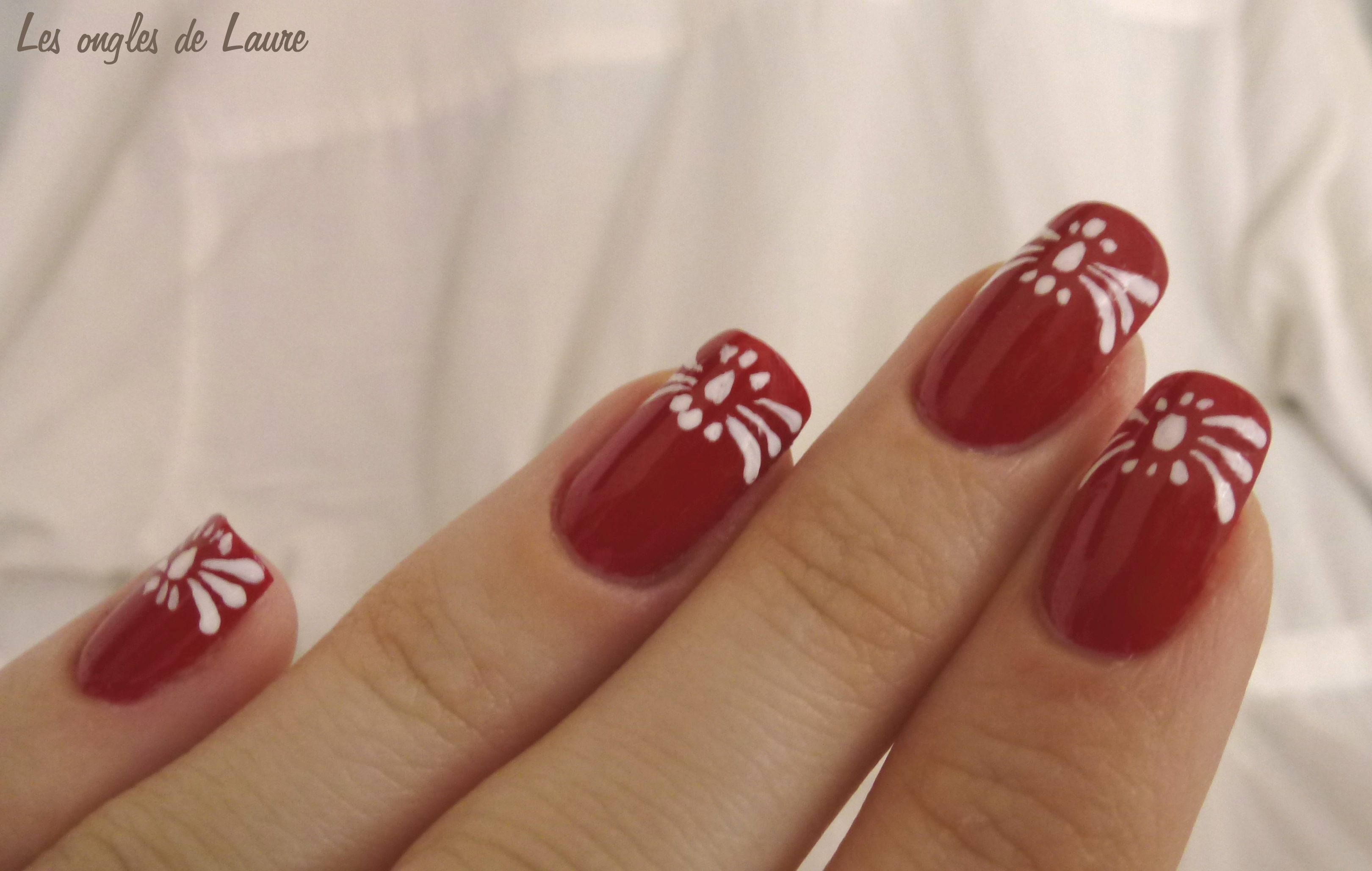 les ongles de laure blog nail art nail art rouge et. Black Bedroom Furniture Sets. Home Design Ideas