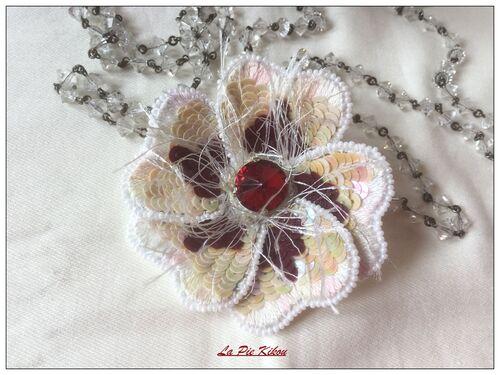 fleur paillettes