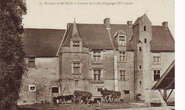 REMPARTS DE VAUX-SUR-AURE (Calvados)