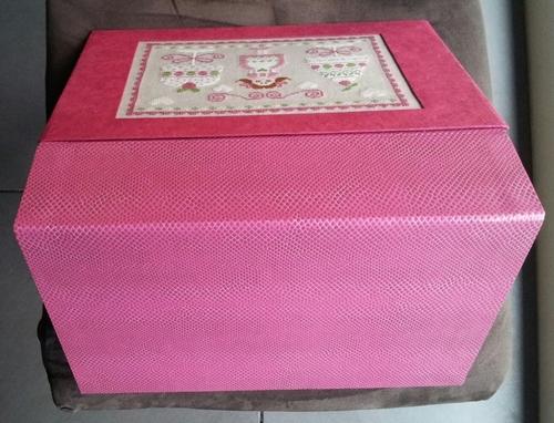 Cartonnage - Boîte rose....