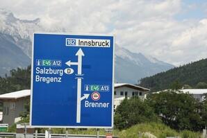 Innsbruck-----1--border.jpg