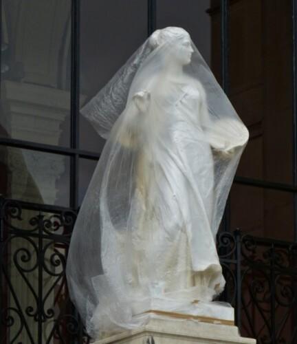Galliera statue voilée 9