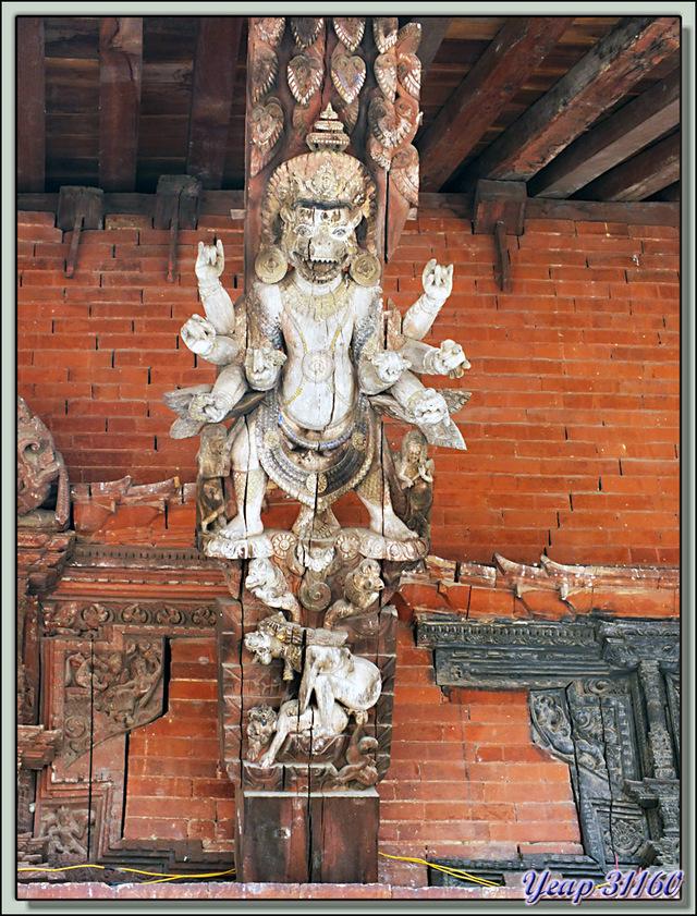 Blog de images-du-pays-des-ours : Images du Pays des Ours (et d'ailleurs ...), De l'art et du cochon... - Durbar Square - Patan - Vallée de Katmandou - Népal