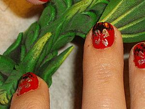 nail art rouge noir et fleur 022