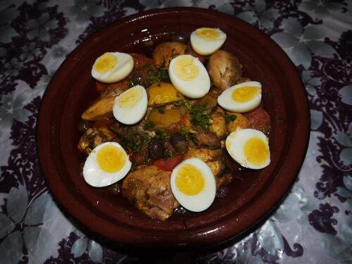 Tajine de poulet aux citrons et oeufs durs