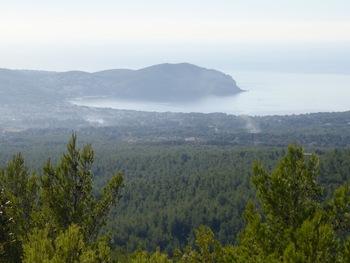 Zoom sur la Baie de Saint-Cyr et la Pointe fauconnière