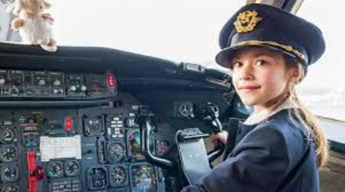 C'est vous le pilote d'un petit avion. (2)