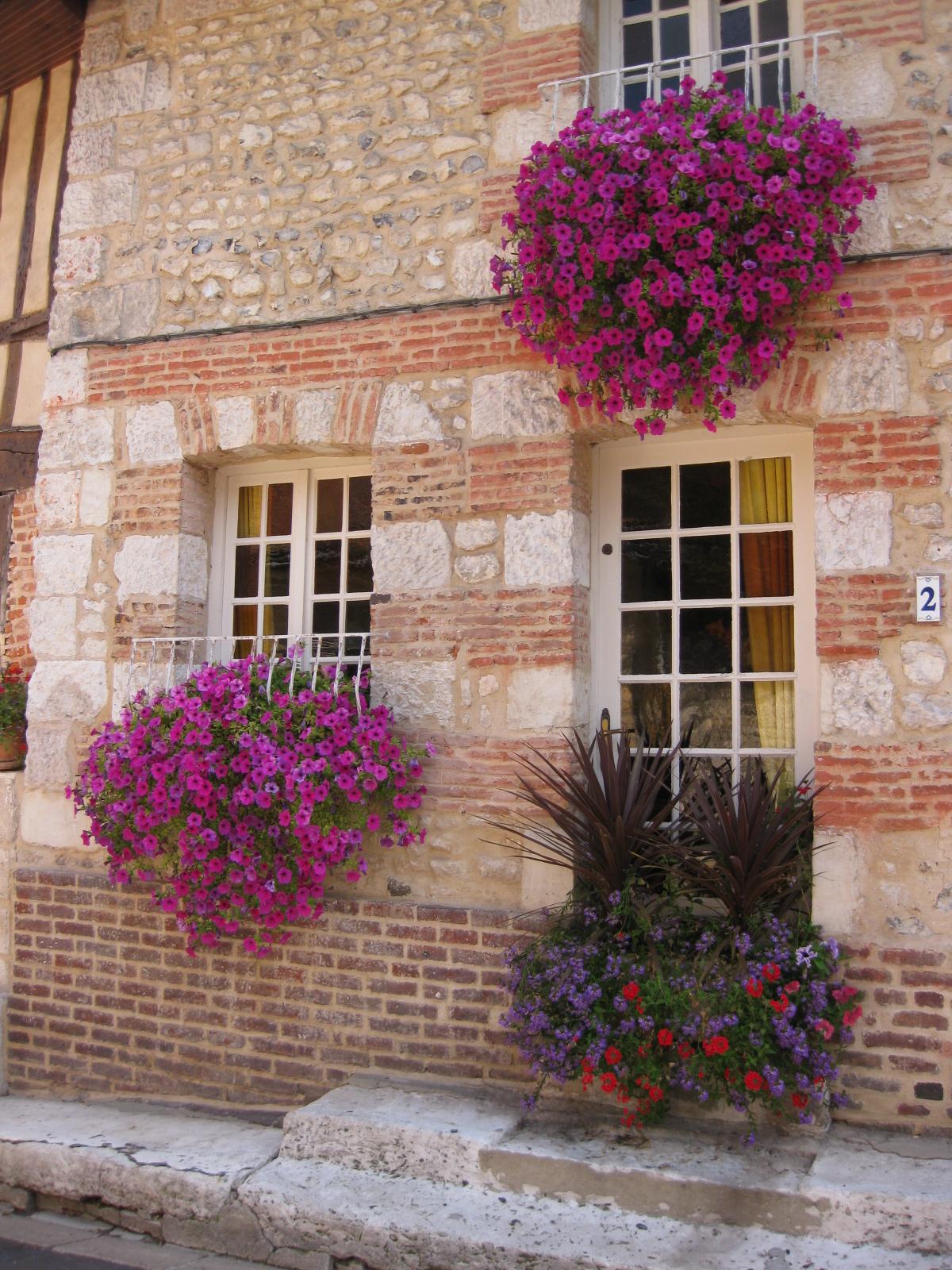 Défi N 186 Une Fenêtre Fleurie Mille Defis