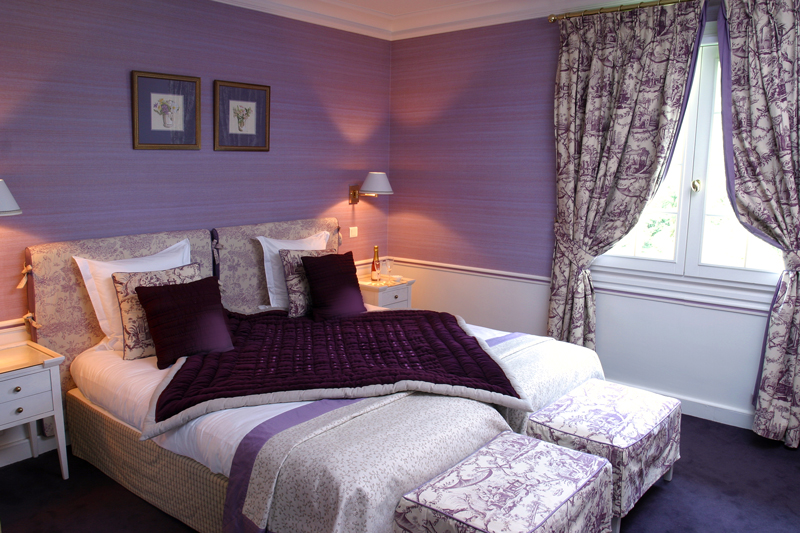Chambre mauve my world for Chambre adulte mauve