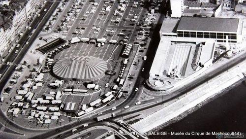 vue aérienne du cirque Jean Richard à Nantes en 1969 ( archives Thierry Baleige)