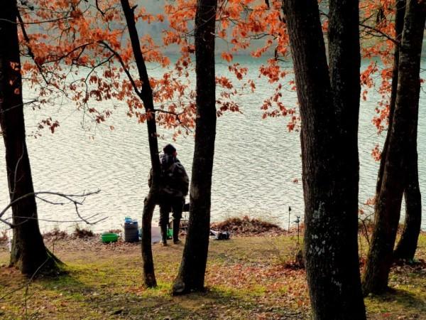 w13 - Le pêcheur debout