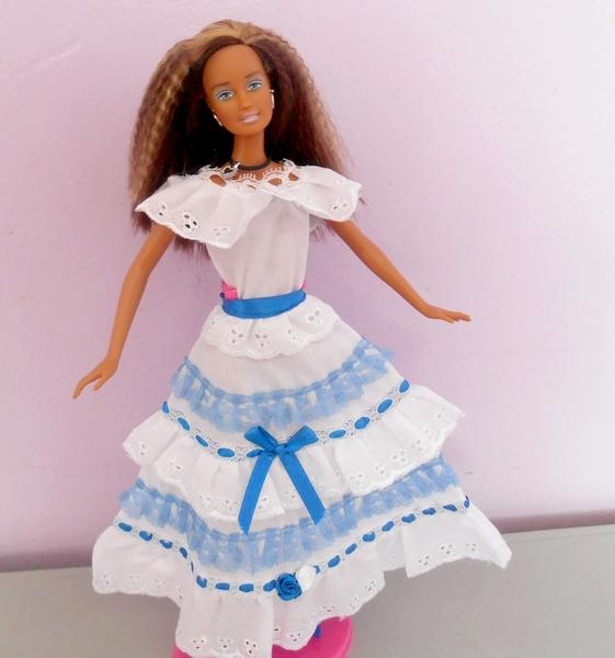 Barbies,les robes de mes voyages UDxbHz-DesO0o-ub6oaLkl8doKU