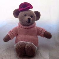 Louise au tricot (moyen modèle)