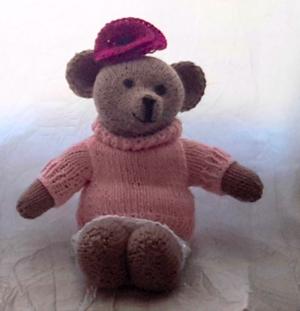 L'oursonne Louise au tricot