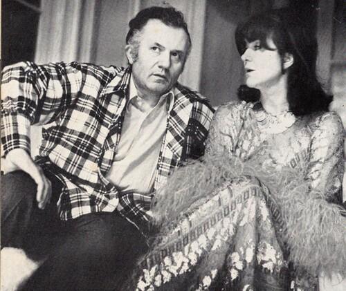 """Jean Richard et Sophie Desmarets à la Une du N°425 de """"L'Avant-Scène"""" le 1er mai 1969"""