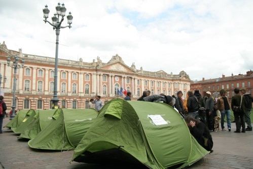 Toulouse-enfants-de-don-quichotte-capitole.jpg