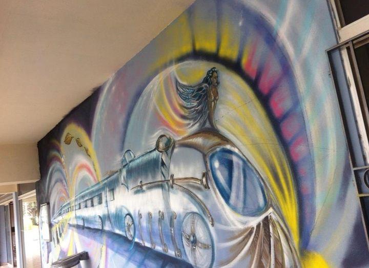 De l'art dans des gares et dans la rue...