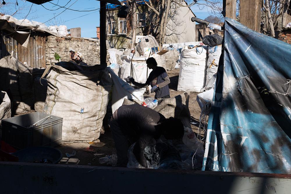 De nombreux migrants syriens trouvent refuge à Fatih, le quartier en ruine des chiffonniers.