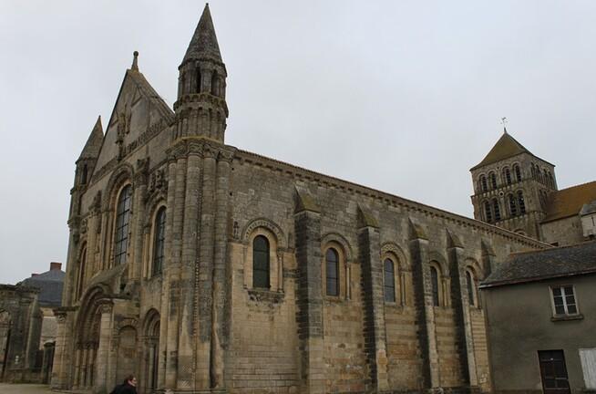dAbbatiale de St Jouin (2)