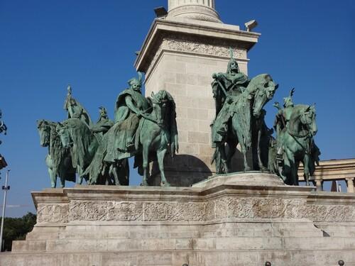 Mercredi 25 juillet Tahitotfalu Budapest