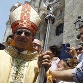 Communistes et américains présents à l'installation du nouvel archevêque de la Havane