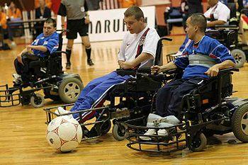 Le foot fauteuil (en anglais, powerchair football ) est une variante ...
