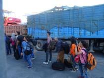 réfugiés qui partent