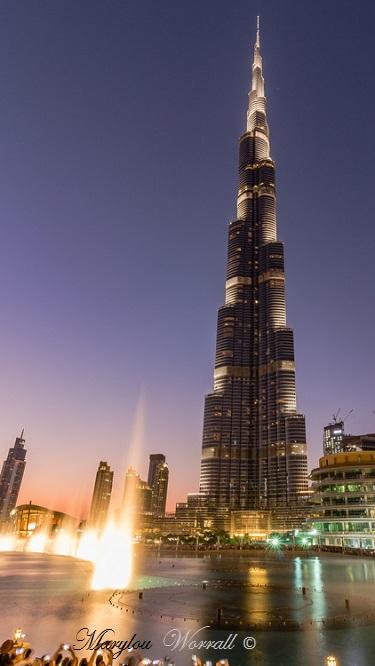 Dubaï : Burj Kalifa de nuit et la fontaine musicale