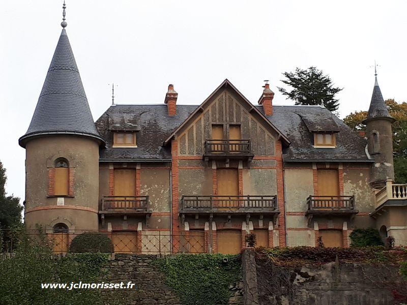 Château de la Roche Guillaune
