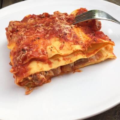 Lasagnes aux légumes du soleil, jambon & tome de chèvre fermière