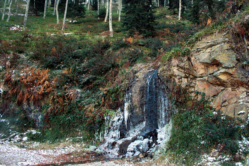 Micro cascade glacée sous Paloumère