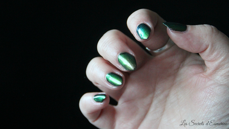 No place like home - vernis vert multichrome - Spell Polish