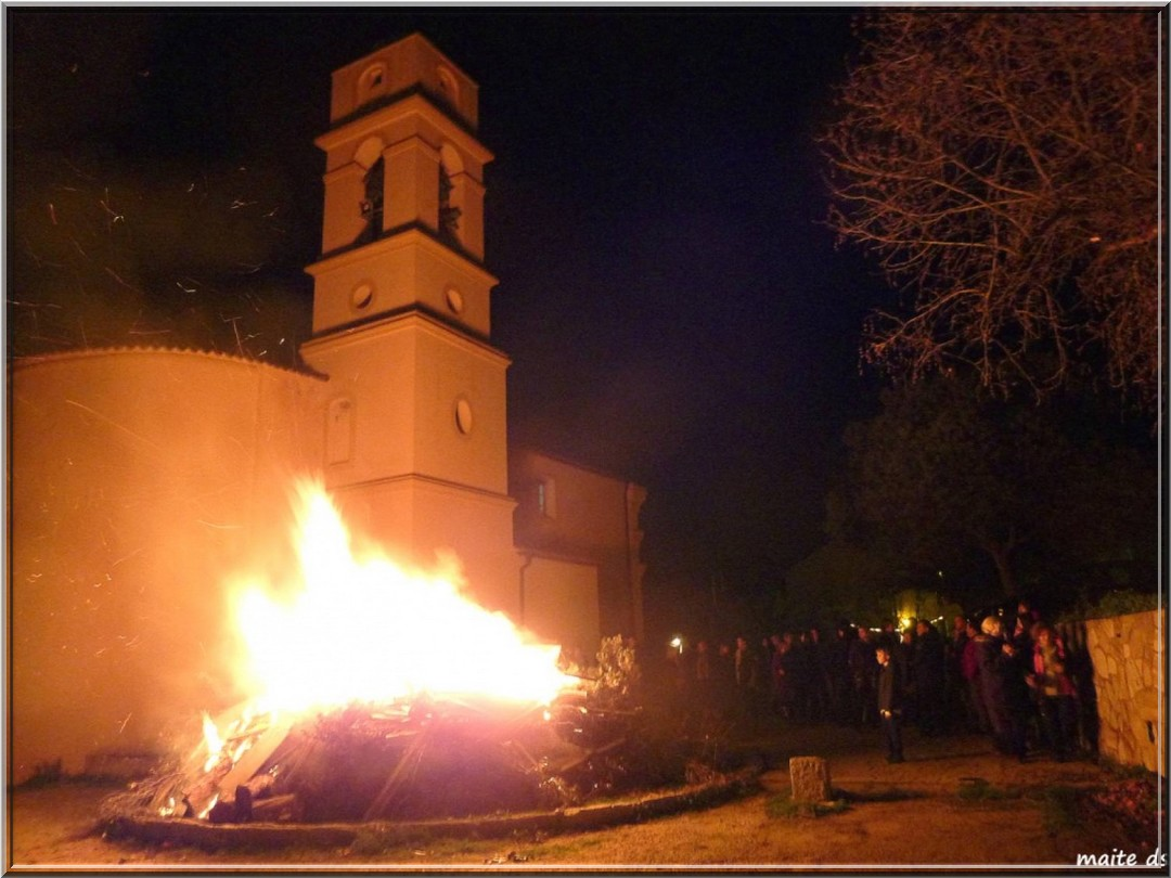 Le feu de Noël en Corse