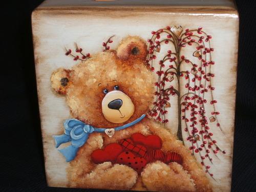 L'ours aux grands coeurs...