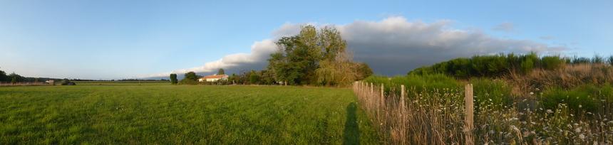 J'aime regarder les nuages,