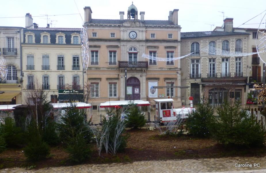 Expo costumes et Noël à Mont de Marsan