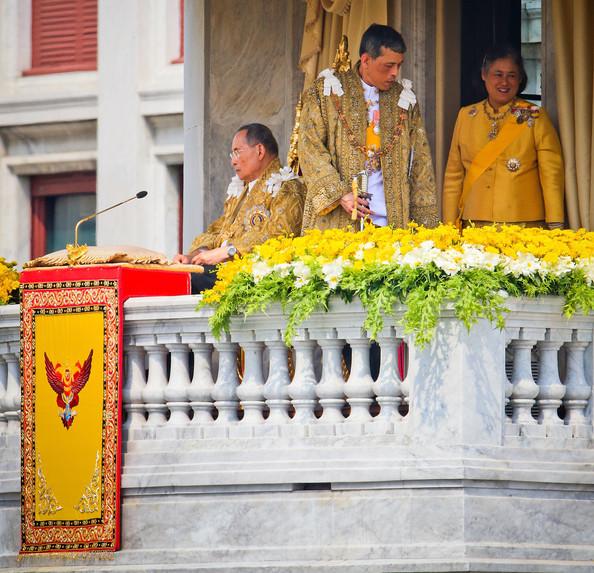 Le roi au balcon
