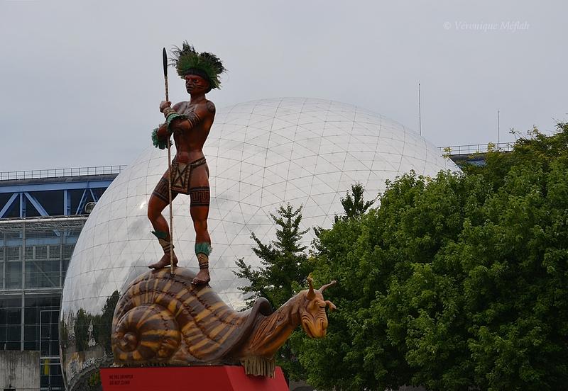 Parc de la Villette, Paris 19ème : Totems du Carnaval de Rio de Fabio Ricardo