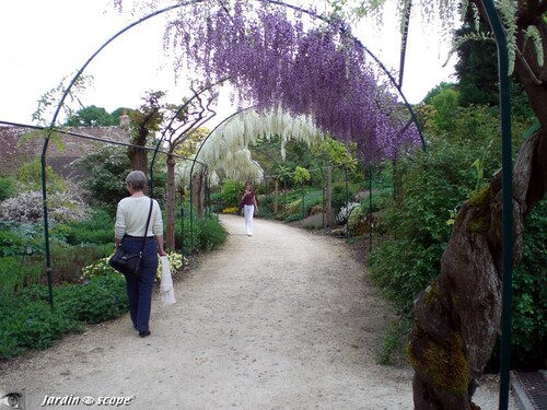 ~~ Jardin secret en Berry, Apremont sur Allier ~~ par Marielle