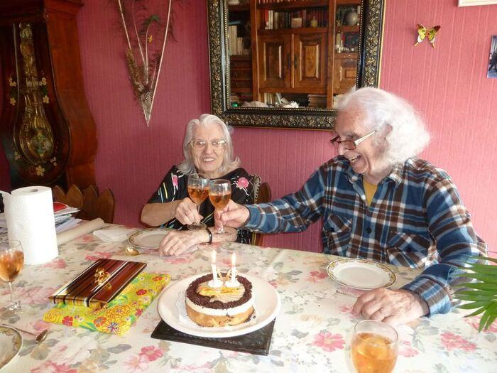 Vincent Liechti  « Aujourd'hui mes parents ont 62 ans de mariage. Un mariage militant et solidaire puisque mon père a refusé d'effectuer la guerre d'Algérie