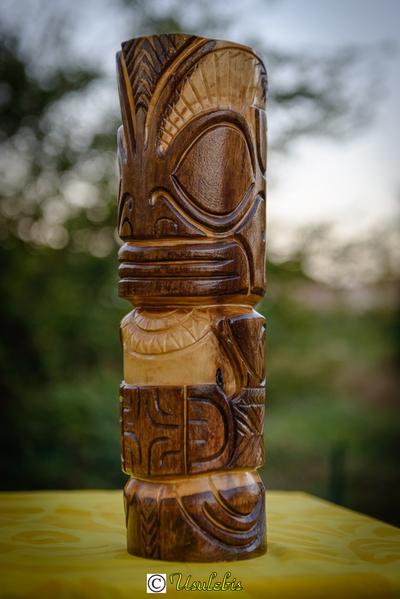 Blog de usulebis :Usulebis ,Artisan créateur de bijoux polynésiens , contact : usulebis@hotmail.fr, Tiki en bois ( style Marquisien)