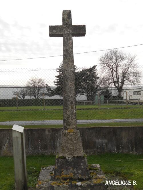 Croix des Quatre Routes et du Gâts du Noyer....