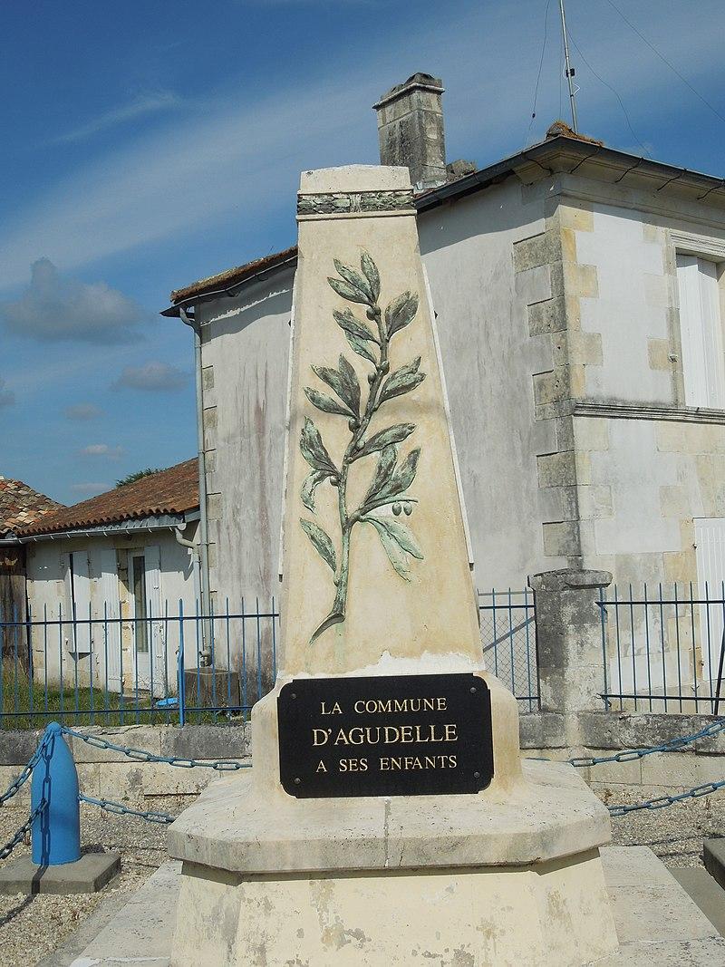 Agudelle, war memorial.jpg