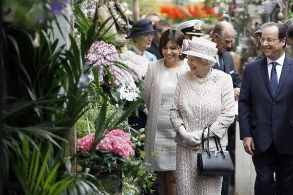 L'Île de la Cité : Marché aux fleurs Reine Elisabeth II