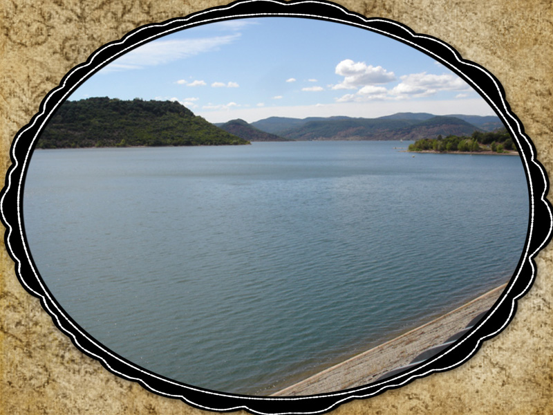 Lac de Salagou dans l'Hérault