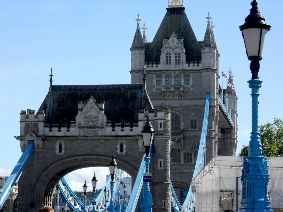 LONDRES  ( suites)Le pont levis sur la tamise