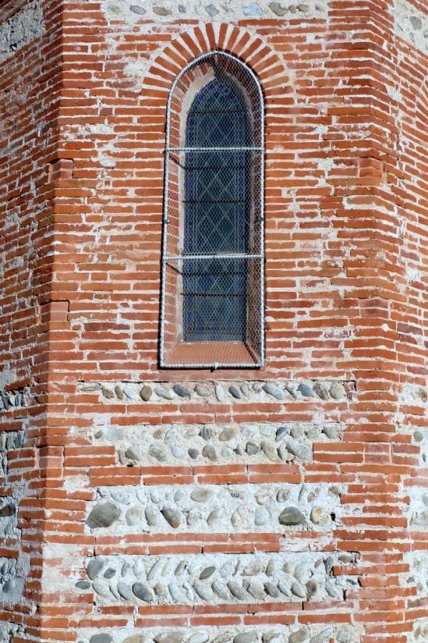 gu15 - Mur de l'église